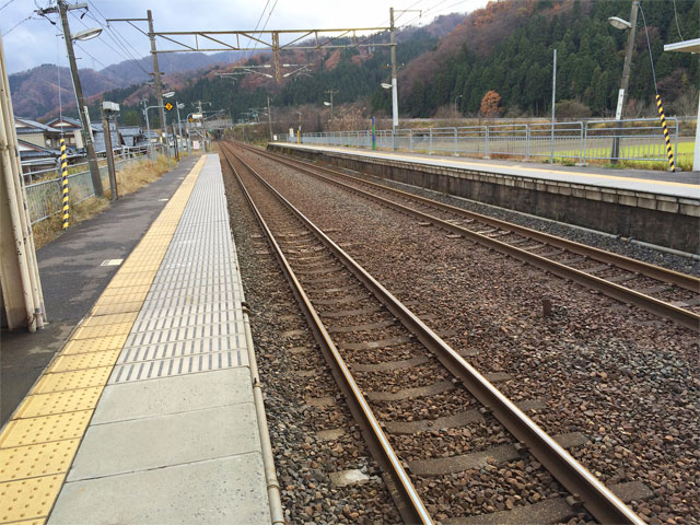 風景036(田舎の駅)