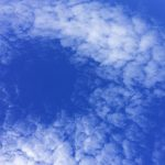 晴れ渡った空と雲の写真画像2(P029)
