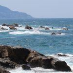 白波がたつ海の写真画像(P046)